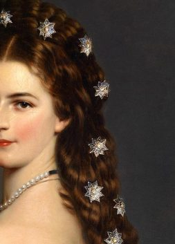 Elisabeth of Bavaria, Empress of Austria, detail